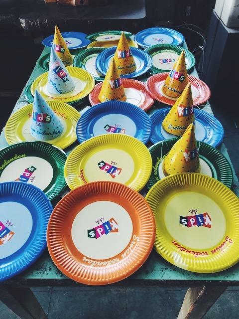 Pappteller - Partyprogramm